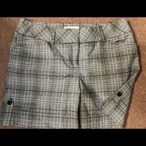 WHBM black-white plaid shorts with cuff & buttons